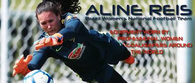 Women's Goalie Gear: Girls Goalkeeper Gloves and Soccer Goalie ...