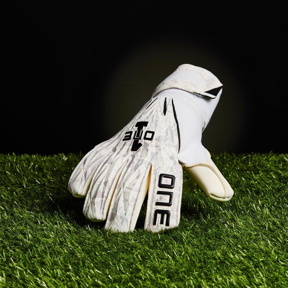 The One Glove Geo ArcWolf forehand