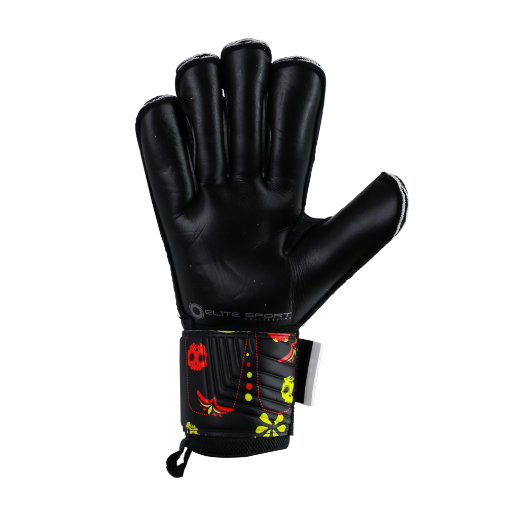 Goalkeeper gloves with black palm