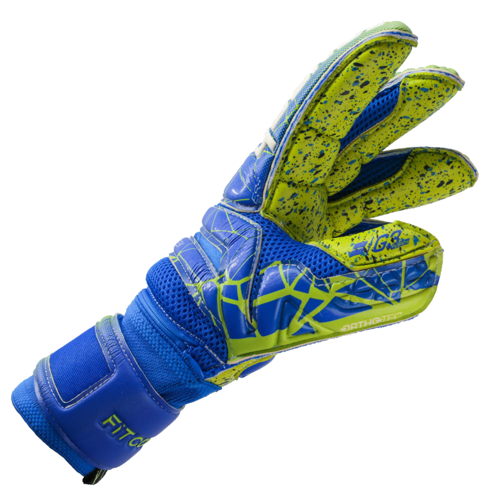 Goalkeeper gloves with long fingers
