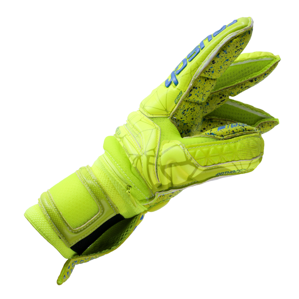 Tight fit goalkeeper glove