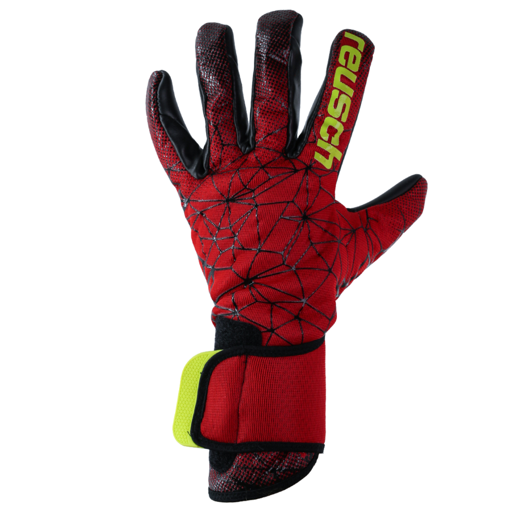 Very breathable backhand goalkeeper glove