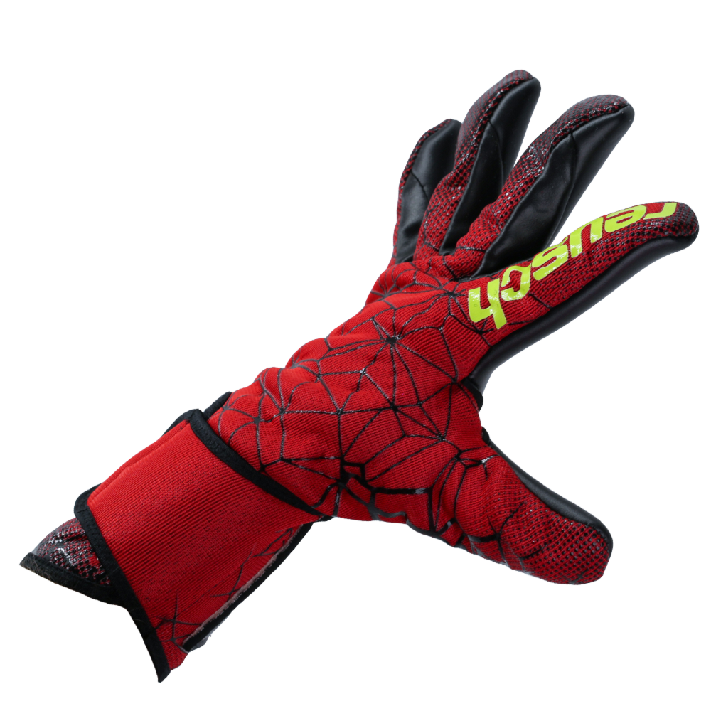 Best fitting goalkeeper glove