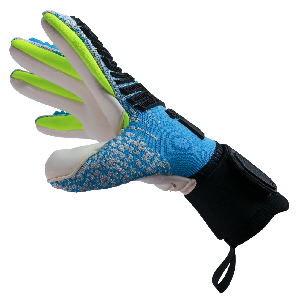 Goalkeeper gloves for tall goalies