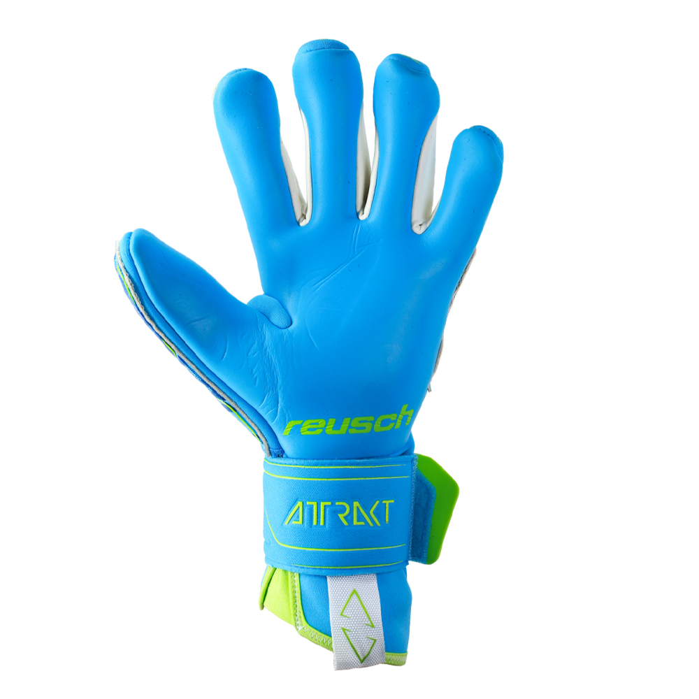 Best goalkeeper gloves for wet weather