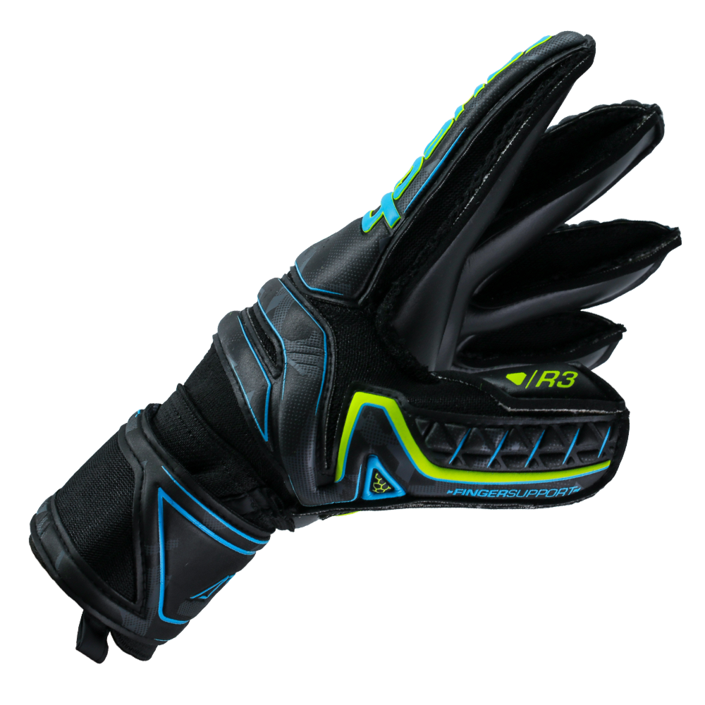 Gloves for goalkeepers with big hands