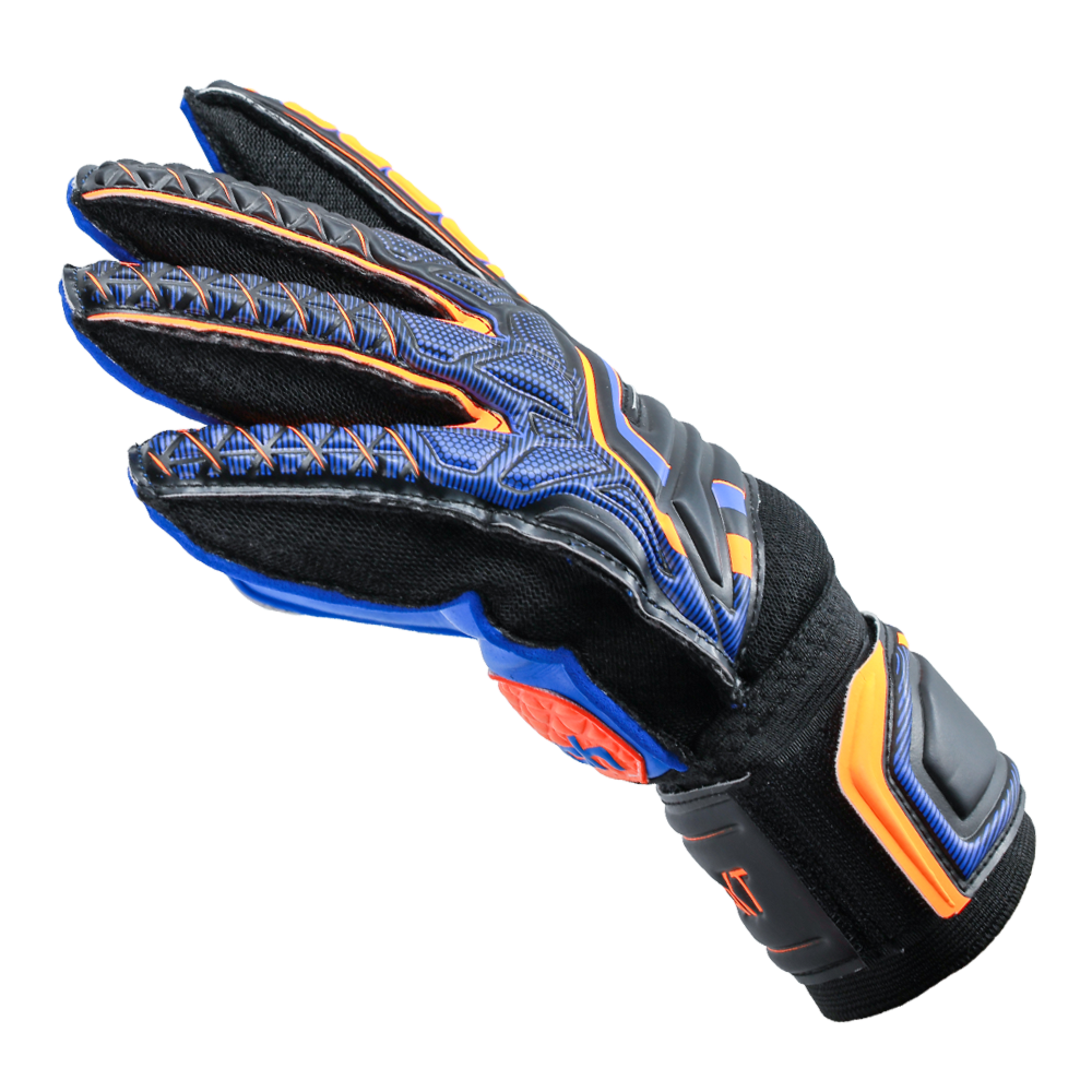 Lightweight gloves for soccer