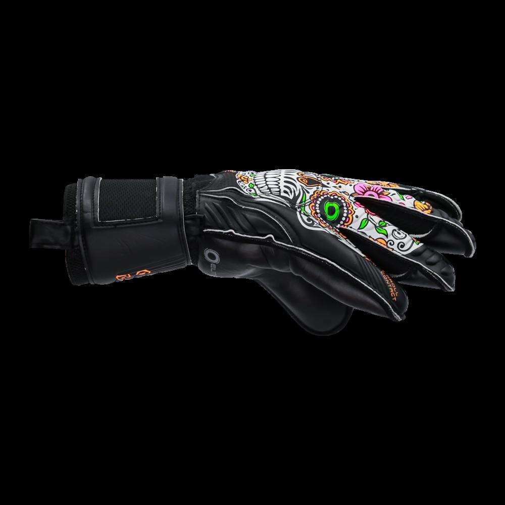 Comfy goalkeeper gloves
