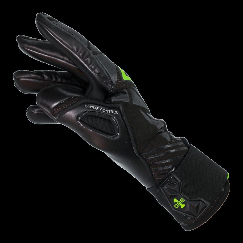 Comfortable goalkeeper gloves